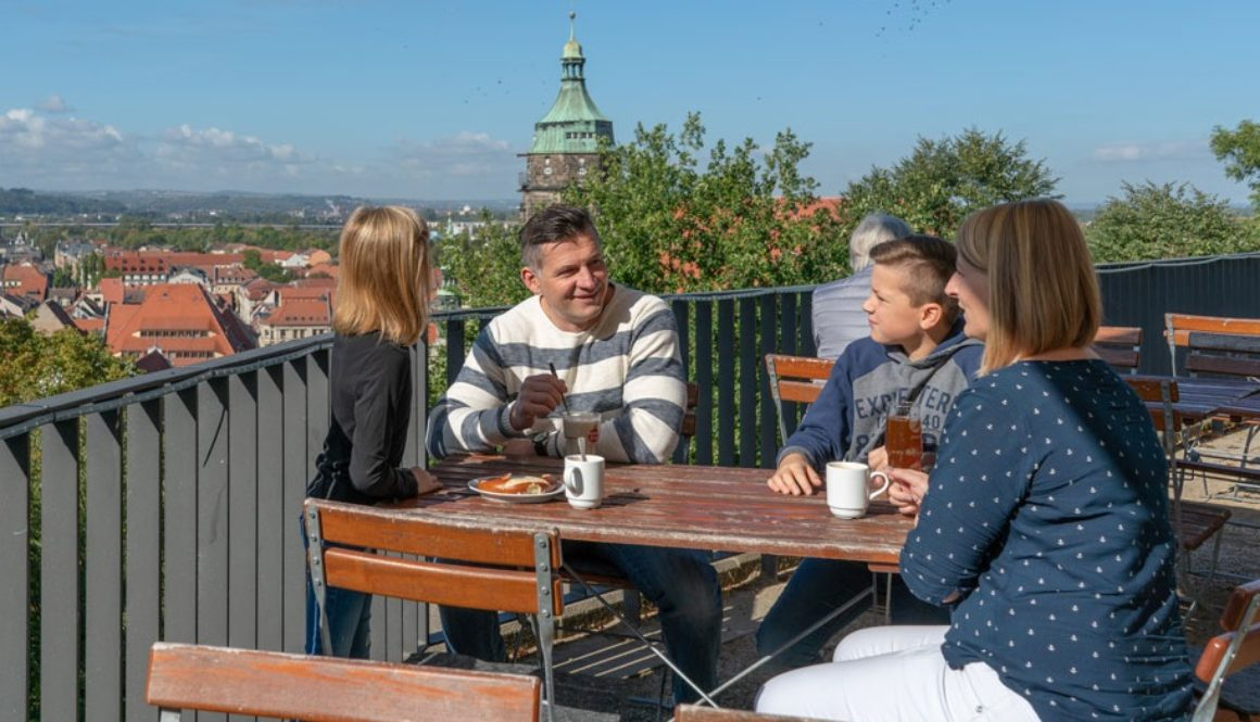pirna-gastronomie-biergarten-familienfreundlich-ausblick-schlossterrasse-dauterstedt